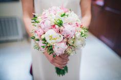 bukiet-ślubny-z-piwonii  #wedding #bouquet #peonies #round