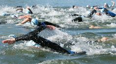 Swimming in the pool isn't quite the same as swimming in choppy, cold water with many other swimmers. These tips will help you tweak your training to prepare for open water swimming. Triathlon Swimming, Triathlon Gear, Triathlon Training, Triathlon Motivation, Training Motivation, Marathon Training, Open Water Swimming, Swimming Tips, Swimming Pools