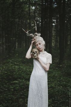 Since discovering Natalia Drepina's work on Pinterest I'm fascinated by the bleak and sober style of this talented artist from Russia. Besides the gloomy atmosphere Drepina's work has a mysterious, dark vibe which perfectly suits the current cold weather. Enjoy! Natalia Drepina at DeviantArt …