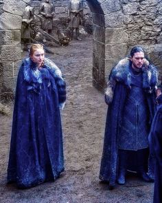 Jon and Sansa during a stop on their campaign in The Broken Man.