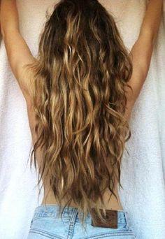 Best Surf Hair Products Beach hair don't care! get the perfect surfer-girl waves. Grow Long Hair, Grow Hair, Long Wavy Hair, Straight Hair, Pelo Ondulado Natural, Surfer Hair, Curly Hair Styles, Natural Hair Styles, Beach Wave Hair