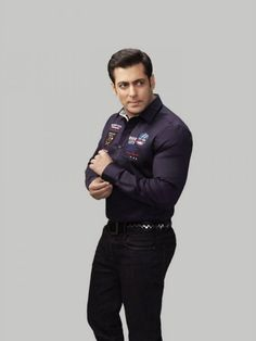 Salman-Khan-Photoshoot-For-Splash-Fashionable-Winter-Clothes-Collection-Mens-Wea. Mens Winter Fashion Trends, Latest Winter Fashion, Winter Fashion Outfits, Fashion 2014, Fashion Brand, Men Fashion, Bollywood Actors, Bollywood Fashion, Salman Khan Wallpapers