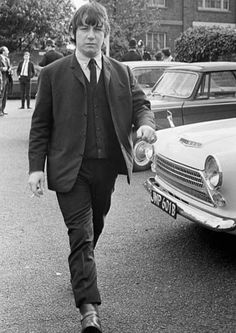 Eric Burdon lead singer of British rock group The Animals at Uxbridge Court where he was fined here he is pictured leaving after the court case. San Francisco At Night, Eric Burdon, Never Grow Old, British Rock, Rock Groups, British Invasion, Blues Rock, Jimi Hendrix, Led Zeppelin