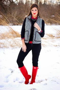 29 Ideas Red Hunter Boats Outfit Fall Herringbone Vest For 2019 Casual Winter Outfits, Fall Outfits, Cute Outfits, Fashion Outfits, Boot Outfits, 60 Fashion, Preppy Outfits, Sweater Outfits, Red Hunter Boots