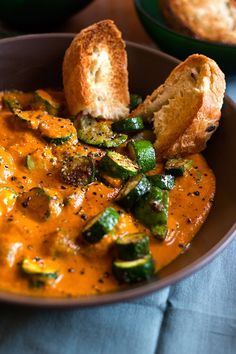 Recipe for Zucchini and Curry Soup – add in the veggies of your choice Ingredients 350 gr Zucchini, chopped 15 ml olive oil ½ teaspoon paprika ½ teaspoon ground cumin […] Zuchinni Soup, Zucchini Curry, Curry Recipes, Soup Recipes, Vegetarian Recipes, Healthy Recipes, Healthy Family Meals, Healthy Snacks, Tomato Curry