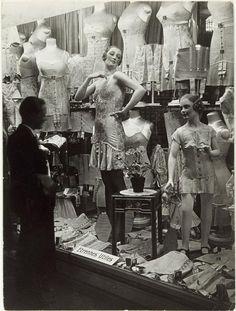 Brassai and Henry Miller's Paris Paris 1920s, Old Paris, Vintage Paris, Mode Vintage, Moda Art Deco, Lingerie Vintage, Vintage Girdle, Brassai, Vintage Outfits