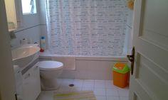 A big bathroom with all amenities!