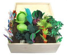 Filz-Stoff-Gemüsegarten-Spielset, Spielzeug MiniGarden, vortäuschen Gemüse großen festgelegt, für Kinder, Gemüse kleine Gärtnerin Patch wenig Haushälterin  Diese große Gruppe von Gemüse (7 Karotten, 6 Pastinaken, 2 Lauchstangen, 2 Celeriacs, 5 Rüben, 2 Köpfe Salat) und 5 Blumen hergestellt aus Filz und Stoff, zusammen mit einem pflanzlichen Patch wird sowohl Jungen als auch Mädchen bitte! Sie Bohren, Pflege der Setzlinge und dann haben eine gute Ernte und in der Küche zu verwenden.  Dieses…
