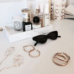 (Free samples with every order) Ouai Haircare by celebrity hairstylist Jen Atkin. Classy Aesthetic, Perfume, Accesorios Casual, Hair Care, Eyewear, Jewelry Accessories, Girly, Bling, Fancy