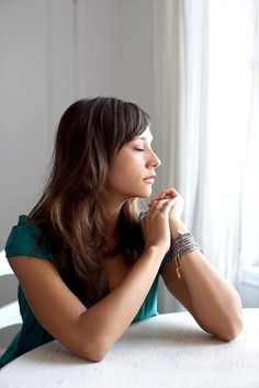 Rashida Jones.  Business or Portrait headshot.