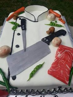 Chef's jacket cake with meat cleaver, beef and veggies Mini Cakes, Cupcake Cakes, Cupcakes, Fondant, Chef Cake, Chef Party, Cake Shapes, Unique Cakes, Food Themes