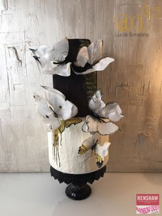 Butterfly Wedding  cake - airbrushed,  sugarpaste, lovely! - Cake by Lucia Simeone