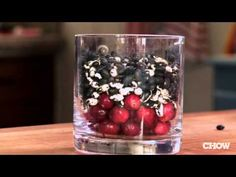 How to Make a Quick, Easy Holiday Centerpiece