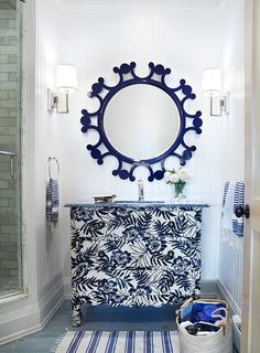 navy Bathroom Decor Mix and Chic: Cool designer alert- Anne Hepfer! Navy Blue Bathroom Decor, Navy Blue Bathrooms, Coastal Bathrooms, White Bathroom, Beach Bathrooms, Guest Bathrooms, Blue Rooms, Interior Decorating, Interior Design