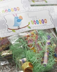 Easter Treat Bags-put Easter grass in bags Easter Party, Easter Gift, Easter Table, Hoppy Easter, Easter Bunny, Holiday Crafts, Holiday Fun, Holiday Ideas, Holiday Decor