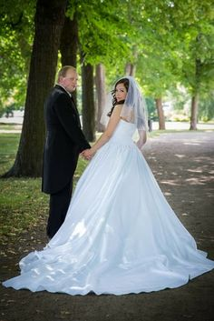 Real wedding in Finland - Satin dress made by Pukuni (www.pukuni.fi)