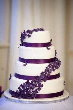 Torta de matrimonio con mariposas moradas purple wedding cake