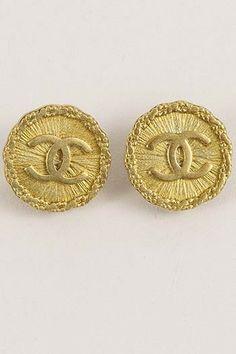 CHANEL Circular Gold Toned CC Earrings – Luxury Garage Sale