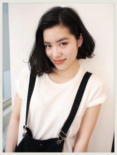 黒髪ロングに憧れるミディアム女子へ。透明感たっぷり暗髪ヘアカタログ (2ページ目)|MERY [メリー]