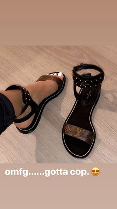 high heels – High Heels Daily Heels, stilettos and women's Shoes Cute Sandals, Cute Shoes, Me Too Shoes, Shoes Sandals, Flats, Dream Shoes, Crazy Shoes, Sneaker Heels, Shoe Closet