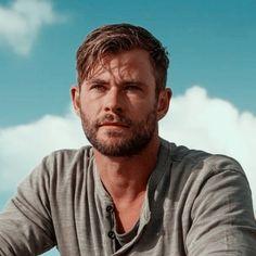 Chris Hemsworth, Celebs, Actors, Profile Pictures, It Cast, Marvel, Star, Image, Celebrities