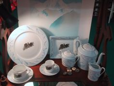 ensemble Fragile, Creations, Plates, Tableware, Collections, Home, Pine Cone, Fir Tree, Bears