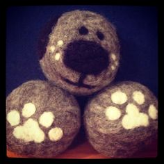 King Size Puppy Wool Dryer Ball Three Pack by SplatAndCo on Etsy Pom Pom Crafts, Felt Crafts, Diy Crafts, Christmas Baubles, Felt Christmas, Wet Felting, Needle Felting, Felted Wool, Wool Felt