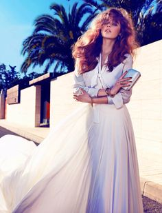 big hair: Beegee Margenyte by Hunger & Gatti for Vogue Spain Brides Glamour, Fashion Models, Fashion Beauty, Queen Fashion, Fashion Pics, Boho Wedding Dress, Wedding Dresses, Modelos Fashion, Vogue Spain