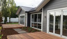 Linea Oblique Weatherboard gives you classic and contemporary design solutions at your fingertips, all with the added benefits of premium fibre cement. Traditional Home Exteriors, Traditional House, James Hardie, Dark House, Building Exterior, Exterior House Colors, House Exteriors, Cladding, Curb Appeal