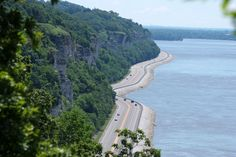 """Silverton, Colorado The Great River Road, near Alton Illinois """"What does the term America's Byways® mean? America's Byways® is the umbrel. Alton Illinois, Southern Illinois, Planes, Trains, Destinations, Trip Advisor, Mississippi, Nature, Places To Visit"""