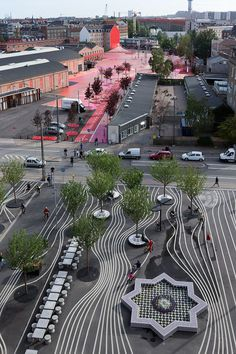a project for a kilometer of urban space wedging through the neighborhood in the tracks of the former rail yards