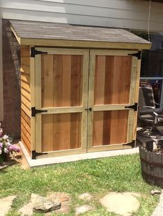 Small lean-to style cedar shed. Perfect if you have a few garden tools and suppl. - Garden Style - Small lean-to style cedar shed. Perfect if you have a few g Diy Storage Shed Plans, Small Shed Plans, Wood Shed Plans, Small Sheds, Storage Sheds, Storage Organization, Tool Storage, Small Wood Shed, Lean To Shed Plans