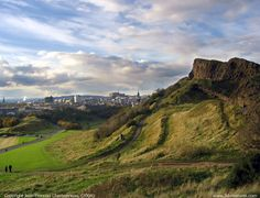 Arthur's Seat in the city of Edinburgh is one of the best urban hikes I've ever experienced. If you're ever in Edinburgh, make sure you give Arthur's Seat a climb.