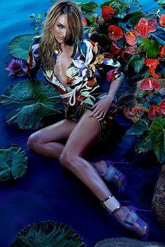 Candice Swanepoel - Forum Spring 2015 Zee Nunes www.zeenunesphotography.com via fashiongonerogue.com for #composition #color
