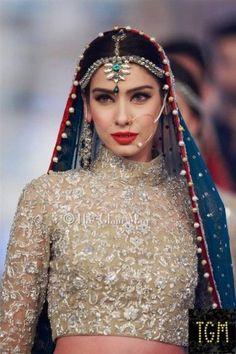like the color combo-Close up of Zainab Chottani Bridal 0f9711357aea