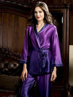 Black Silk Slip (SALE) Update your sleep style with this two-tone wrapped silk pajama set. Silk Sleepwear, Sleepwear Women, Pajamas Women, Nightwear, Pyjama Satin, Satin Pajamas, Women's Pajamas, Satin Dressing Gown, Satin