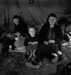 David Seymour  Refugees from the civil war areas. Zante, Greece 1953. Copyright © David Seymour/Magnum Photos