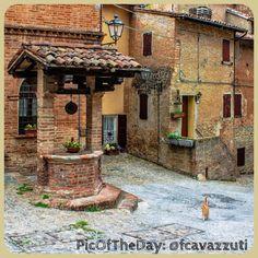 La #PicOfTheDay #turismoer di oggi ci porta in provincia di #Modena, nell'antico borgo medievale di Savignano sul Panaro - Complimenti e grazie a @fcavazzuti