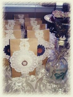 Favors at a Shabby Chic Party. No doily just lace Shabby Chic 1st Birthday, Vintage Birthday Parties, Vintage Party, First Birthday Parties, Baptism Favors, Baptism Party, Frida Art, Cowgirl Party, Party Favors