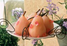 Poires pochées à l'eau de rose