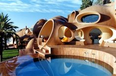 Flinstones: Pierre Cardin Bubble House