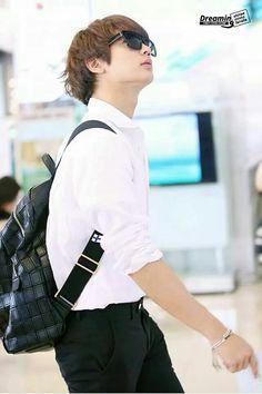 Love his bags! ♡