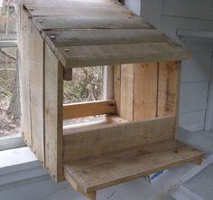 Nesting Box from a Pallet...pallet poulais