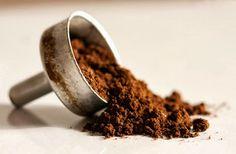 Ravvivare il colore dei capelli coi fondi del caffè