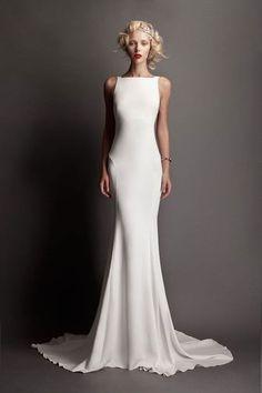 Parfois robe simple souvent préférable de montrer votre beau corps.