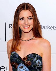 Anne Hathaway IFP's Annual Gotham Independent Film Awards at Cipriani Hello Beautiful, Beautiful Smile, Anne Jacqueline Hathaway, Celebrity Smiles, Female Stars, Hot Brunette, Woman Crush, Actress Photos, Beautiful Celebrities