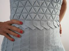 Origami dress pattern fashion design ideas for 2019 Origami Fashion, 3d Fashion, Fashion Details, Ideias Fashion, Fashion Design, Dress Fashion, Moda Origami, Origami Dress, Fabric Origami