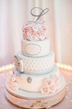"""Eine """"Diamond Themed"""" Blush und Platinum Hochzeit in New York - Kuchen Beautiful Wedding Cakes, Gorgeous Cakes, Pretty Cakes, Amazing Cakes, Beautiful Gorgeous, Absolutely Gorgeous, Perfect Wedding, Wedding Cake Designs, Wedding Cake Toppers"""