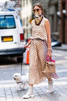 Olivia Palermo Street Style, Estilo Olivia Palermo, Olivia Palermo Lookbook, Shirt Under Dress, Star Fashion, Girl Fashion, Cute Clothes For Women, Street Chic, Spring Fashion