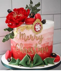 Christmas festivities are coming to an end as we gear up for the new year and all the exciting things it brings 💕 . Our office is back in… Edible Glitter, Merry Christmas Everyone, Good Cheer, Party Desserts, Edible Art, Royal Icing, Party Themes, Themed Parties, Fondant